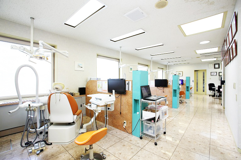 落ち着いたプライベート感のある治療スペース